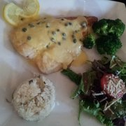 Mucky Duck Restaurant & Catering - Lemon caper Flounder that my daughter ordered. Very delicious!!! - Green Mountain Falls, CO, Vereinigte Staaten