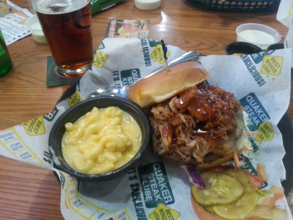 Berlin (WI) United States  City pictures : Quaker Steak & Lube Burgers New Berlin, WI, United States Yelp