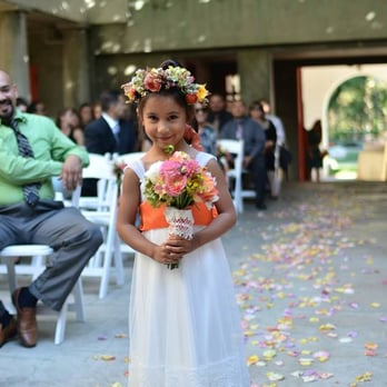 Margaret Rose Floral Design - my flower girl's posy and crown by Margaret - Long Beach, CA, Vereinigte Staaten