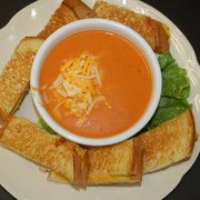 Papa's Grill - Grilled Cheese Dunkers with Cheesy Tomato Soup - Columbus, IN, Vereinigte Staaten