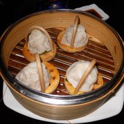 steamed pork buns (siu long bao)