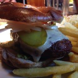 BBB Brauhaus Bagel Burger