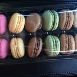 Van's Bakery - Mini macaroon, around $10 per box - Westminster, CA, Vereinigte Staaten