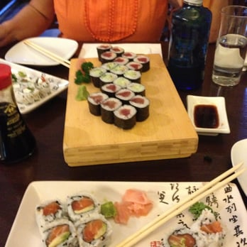 Spicy tuna, capresi maki, cucumber - tasty!