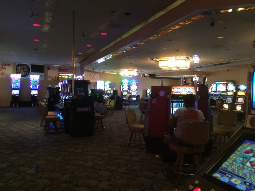 club vegas casino lounge reviews