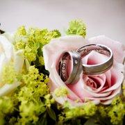 Ringe gehören zu jeder Hochzeit