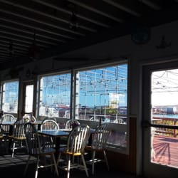 The Landings Restaurant - Rockland, ME, États-Unis. Sunny day at The Landings.