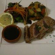 Chez Max - Lille, France. Tataki de bonite sauce Tarami accompagné de légumes du moment ! Une tuerie !!