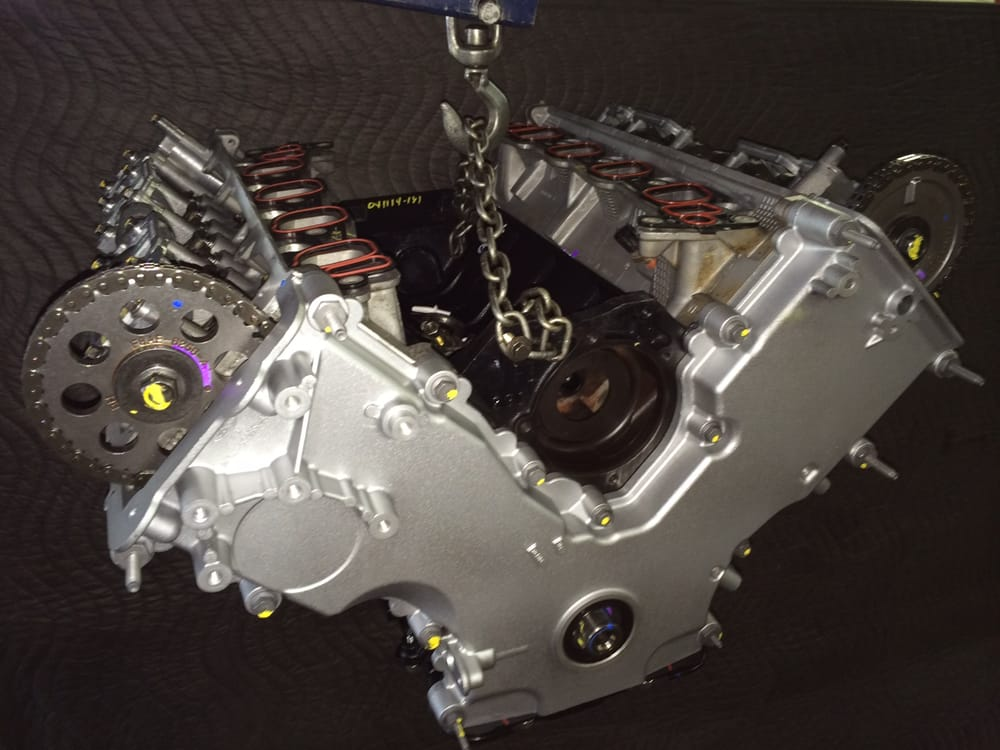 Ford Triton V8 Engine Images