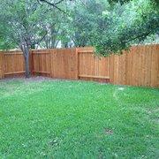 Flash Fence - Austin, TX, États-Unis. Fence after CJ stained it