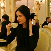 Tea time at the Ritz with Jules Fe!…