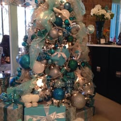 Damron fletcher salon skin care austin tx yelp for Salon xmas decorations