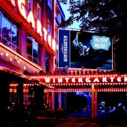 wintergarten variet die neue show im wintergarten variet breakin mozart berlin deutschland. Black Bedroom Furniture Sets. Home Design Ideas