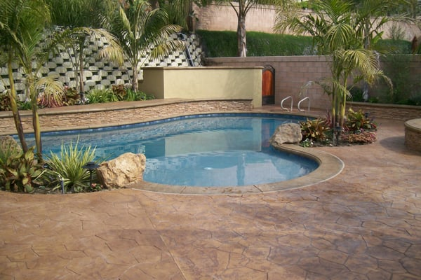 New in ground swimming pool with raised bond beam and - Fibreglass swimming pool bond beam ...