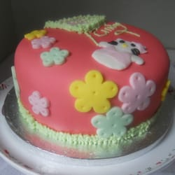 Hello Kitty Cake £35.00