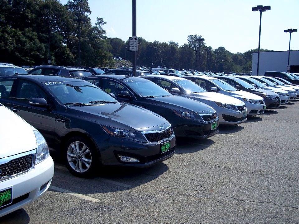 Quirk kia 15 photos garages braintree ma united for Kia motors near me