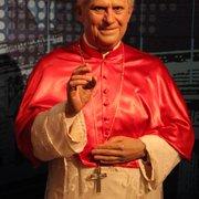Papst Benedikt XVI. - eigentlich sieht…