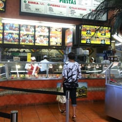 Vallarta Supermarket No 12 - Trying some good ol authentic Mexican food! - Canoga Park, CA, Vereinigte Staaten