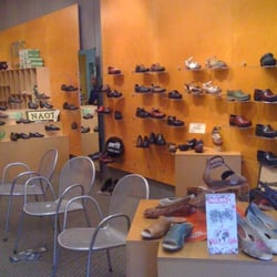 Elmwood Shoe Stores