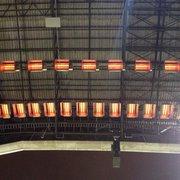 Estufas de infrarrojos en el techo