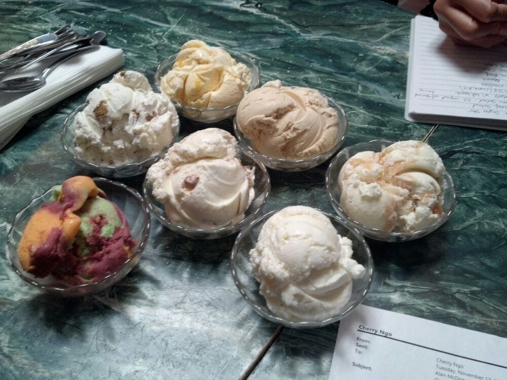 Tucker's Super Creamed Ice Cream - Alameda, CA, États-Unis. The best flavors are apple pie ice cream and rainbow sherbert!!