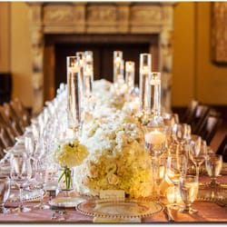 Floral Design Studio - Floating candles are so romantic! - Fremont, CA, Vereinigte Staaten