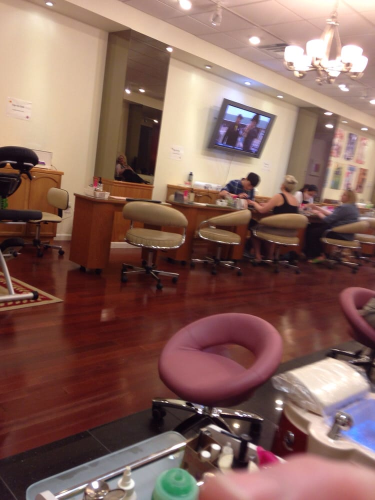 Allure nails spa 28 photos nail salons market east for 1662 salon east reviews