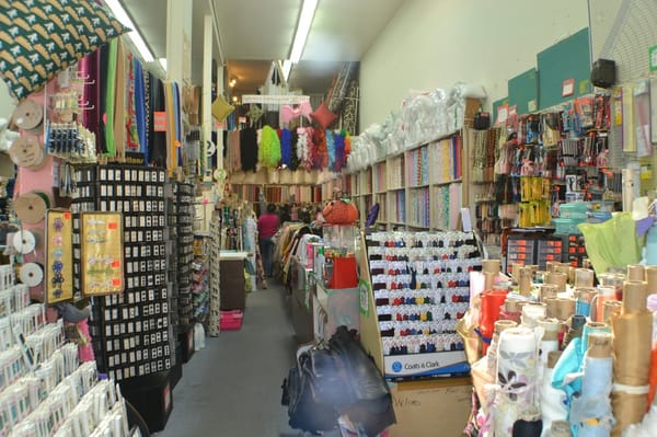 Discount fabrics fabric stores outer sunset san for Fabric outlet near me