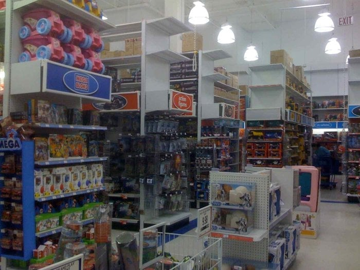 Toys r us toy stores fairview slopes vancouver bc for Bathrooms r us vancouver