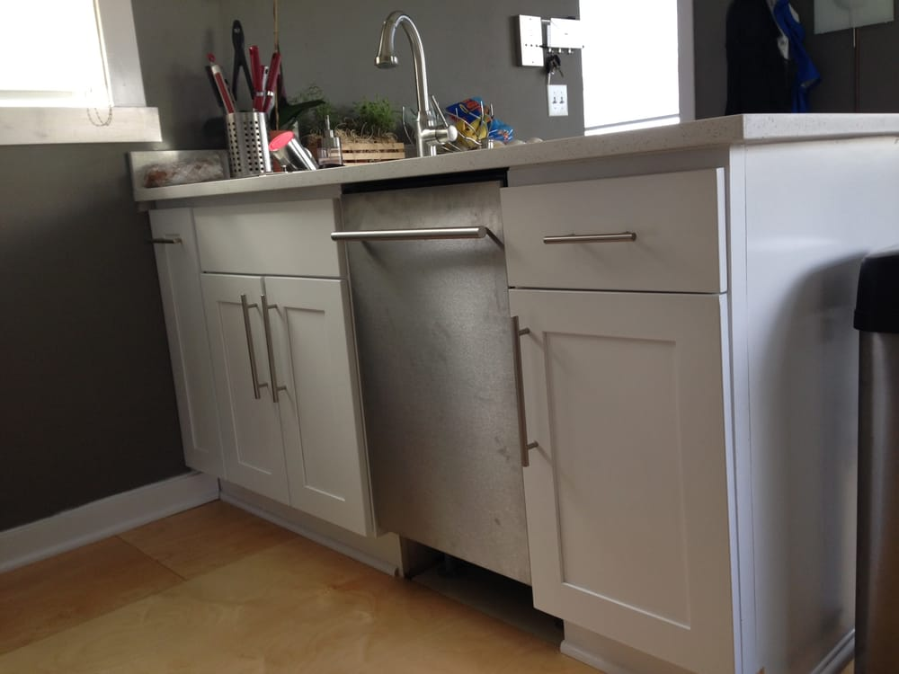 White Shaker Cabinets Quarts Counter And Modern Under Mount Sink Installed By Pius Yelp