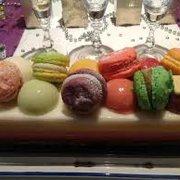Un des gateaux proposés, macarons Bajard…