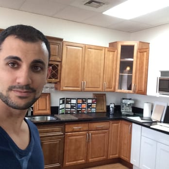 Wholesale cabinet center las vegas nv united states for Cheap kitchen cabinets in las vegas