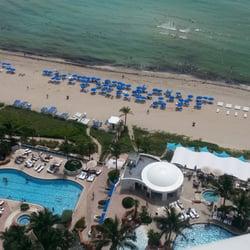 Trump International Beach Resort - Sunny Isles Beach, FL, États-Unis. View from our 21st floor room.