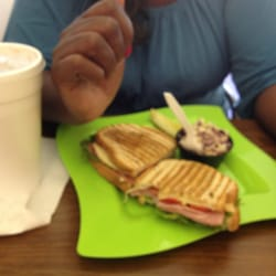 Carm's Cafe - Ham with provolone with Red Peppers on toasted Rye bread. A cold fresh iced tea to wash it down. - Concord, NC, Vereinigte Staaten