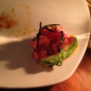 Hapa Izakaya - Toronto, ON, Canada. Tuna and avocado on plantain chip