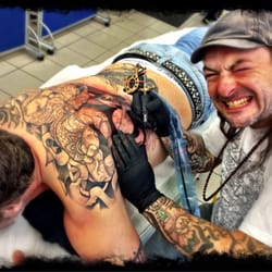 chaos crew tattoo tattoo maxvorstadt m nchen bayern beitr ge fotos yelp. Black Bedroom Furniture Sets. Home Design Ideas