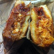 Specialty's Cafe & Bakery - BBQ beef sandwich- w/o the spicy coleslaw: yum-O's! - Milpitas, CA, Vereinigte Staaten