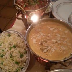 Les plats sont servis dans un ravissant…