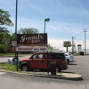 Friends Too - Bar and lights, other direction. - Fort Wayne, IN, Vereinigte Staaten
