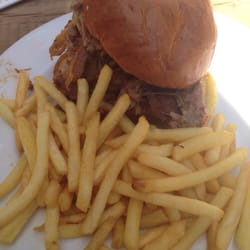 Sunday BBQ - pull pork with fries!