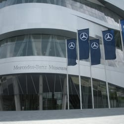 Restaurant im Mercedes-Benz Museum, Stuttgart, Baden-Württemberg