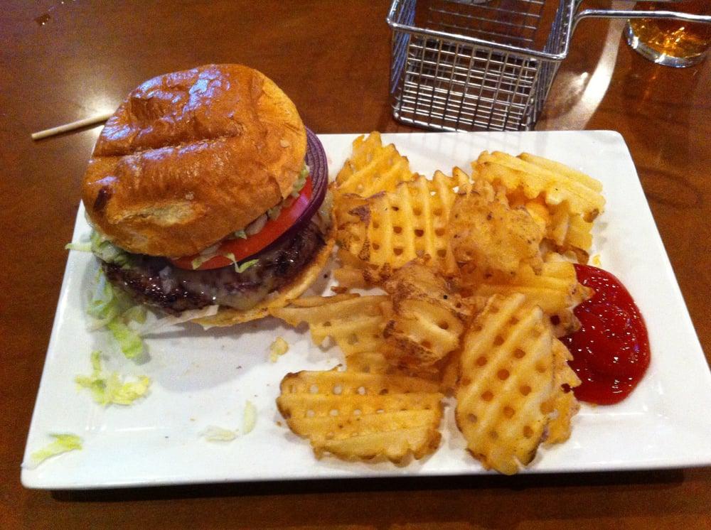 Champps americana restaurant geschlossen 15 fotos for Americana cuisine