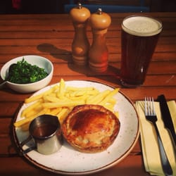 Steak and Kidney pie with greens & a…