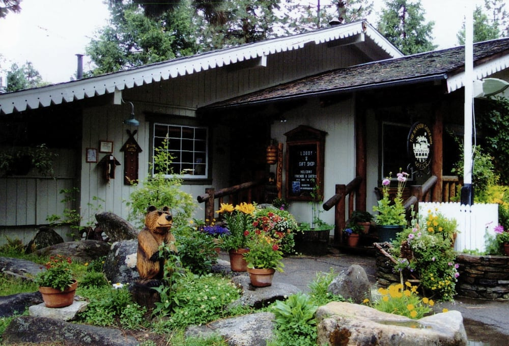 Narrow gauge inn 51 photos hotels fish camp ca for Fish camp ca lodging