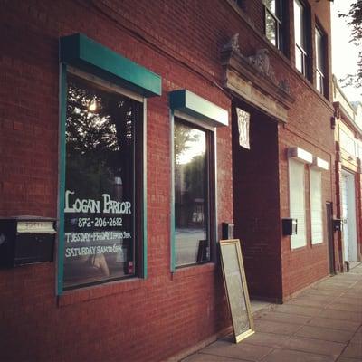 Logan Parlor Logan Square Chicago Il Yelp