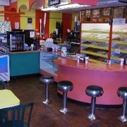 Donut Circus - Lobby With Old (Not Old Style) Swivel Stolls - Fort Pierce, FL, Vereinigte Staaten