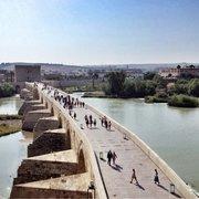 El Puente Romano de Córdoba con la Torre…