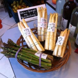 Local wine & asparagus