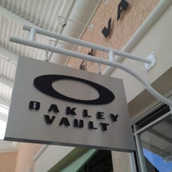 Oakley Outlet Store - Orlando, FL, United States by Harry D