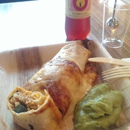 Mexico fajita roll and guacamole CHF 10.90,  Cranberry kombucha CHF 4.00
